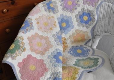 Grandmother's Flower Garden Hexagon Quilt