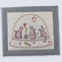 Boule Chats Embroidery Kit