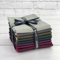 Starshott 8 Piece Fat Quarter Bundle by Oakshott Fabrics