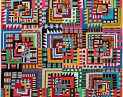 Mosh Pit @ the Golden by Maria Shell (Photo from QuiltCon.com / QuiltCon Facebook Page)