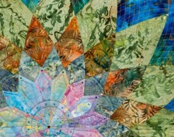 Midnight Dahlia by Elaine Putnam, Quilted by Gina Perkes - Detail
